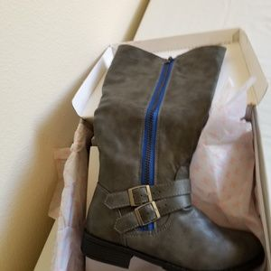 NIB - Grey tall boots